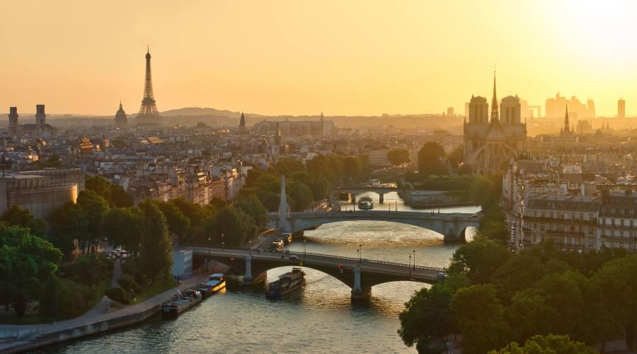 Parigi al tramonto