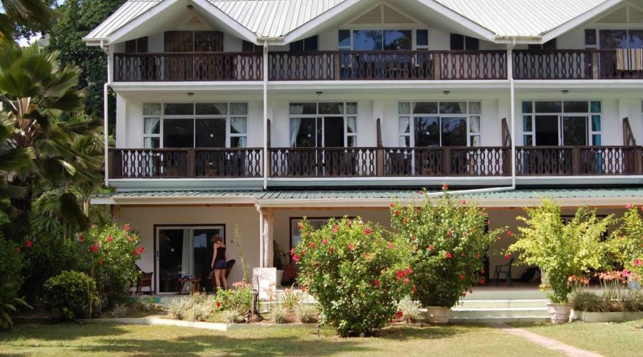 L'hotel ed il giardino