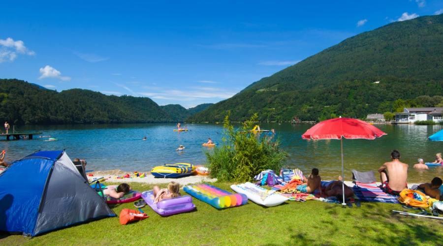 spiaggia lago di Levico