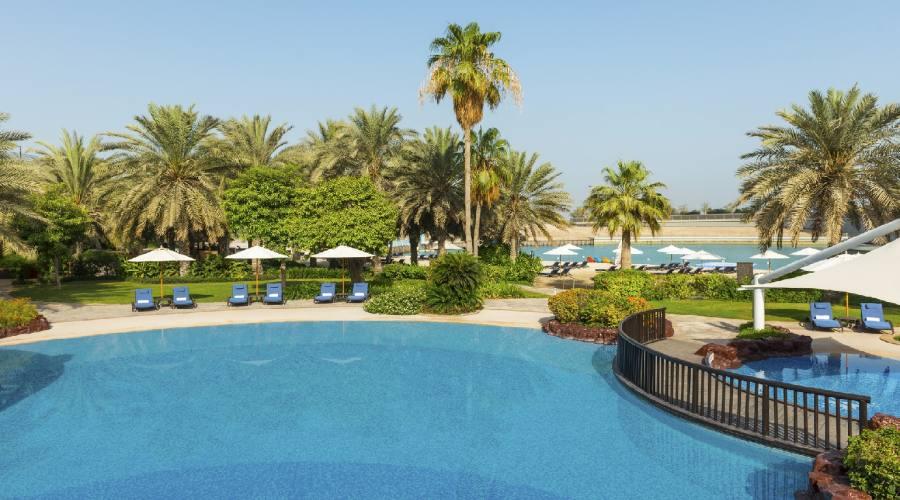 Sheraton Abu Dhabi - La piscina