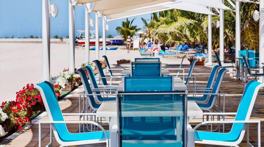 bar sulla spiaggia Marjan Island Resort