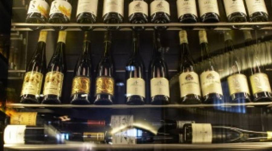 Vasta selezione di vini presso Ammolite