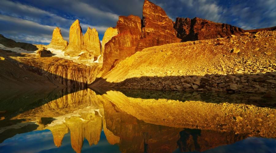 Alba sulle Torres del Paine
