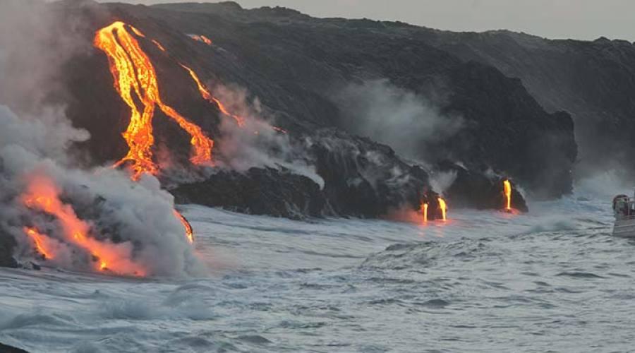 Big Island, lava tour in gommone