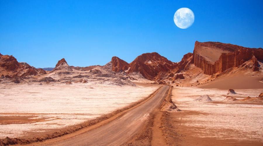 Luna sul deserti di Atacamo