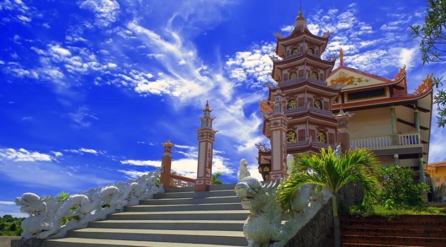 tempio buddista a Phan Thiet