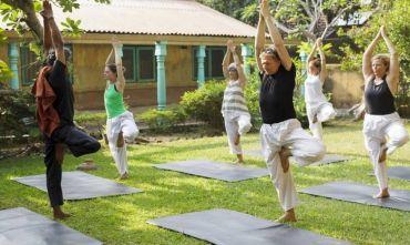 Benessere corpo e mente con massaggi olistici, yoga e meditazione in un Resort Ayurvedico
