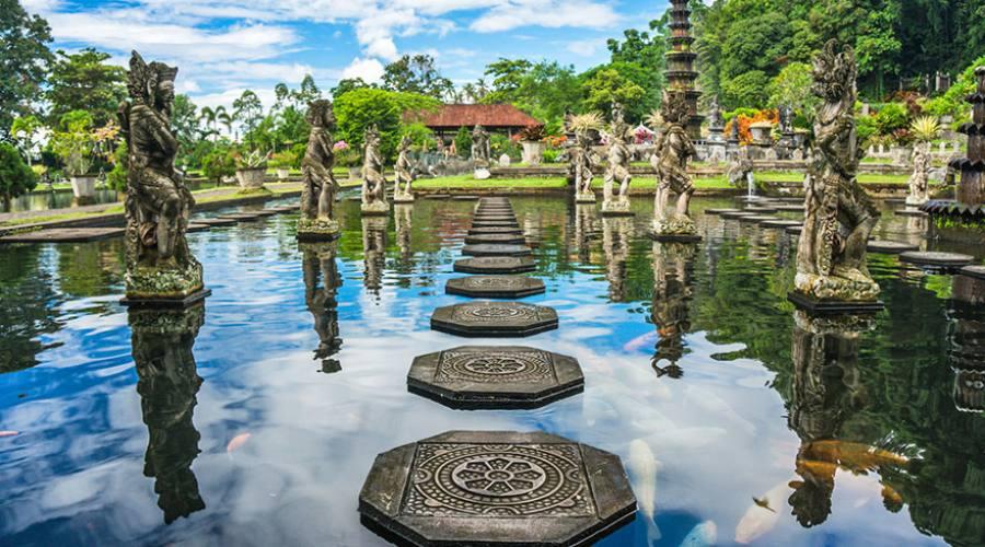 Il palazzo sull'acqua a Bali