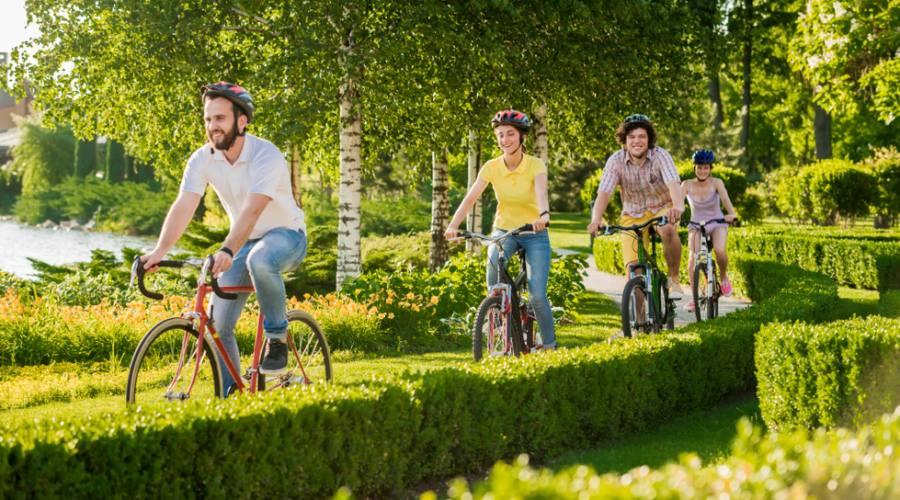In bicicletta nel parco