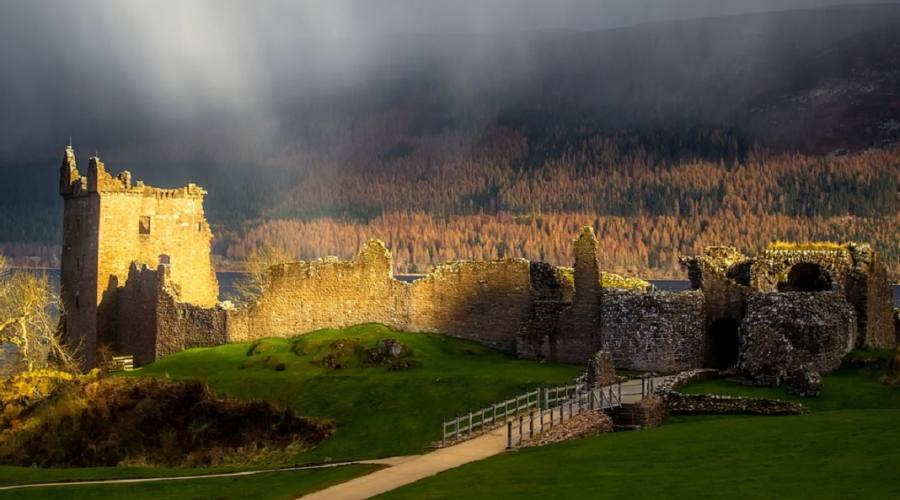 Urquat Caste - Loch Ness