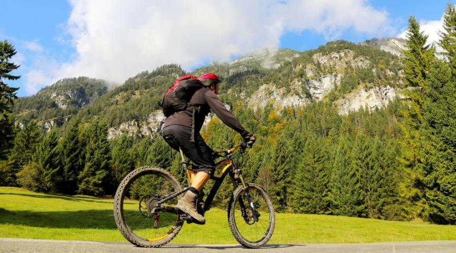 In bici sulle montagne