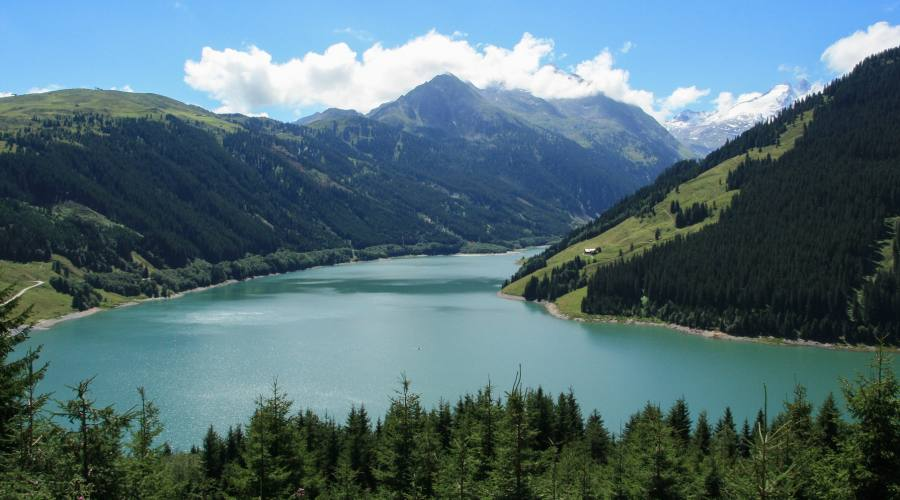Vista del lago in Austria