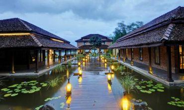 Coccole ayurvediche e relax meditativo con yoga in un magico Resort