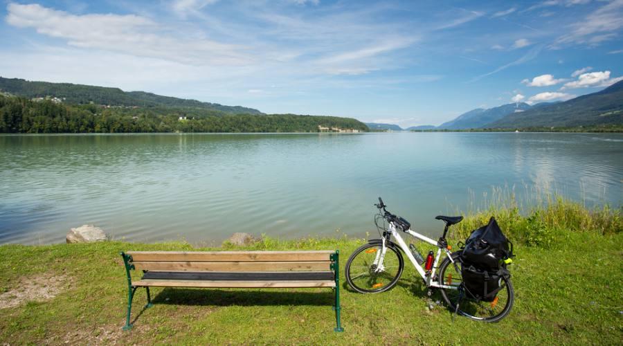 Pausa sulle rive del lago