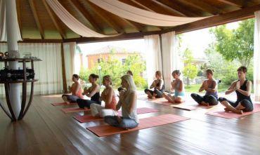 Relax nella natura con yoga e massaggi sul mare di Ogliastra