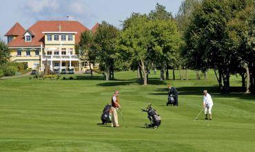 Hotel 4 stelle a due passi dal Golf e dal lago di Klopener