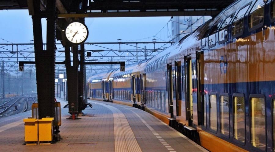 Amsterdam in treno