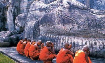 Esala Perahera: la grande processione del sacro dente di Buddha