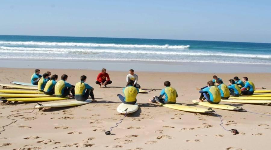 Scuola di Surf sull'Atlantico.