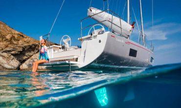 Indimenticabile vacanza in barca a vela tra paesaggi incantevoli e divertimento in Costiera Amalfita