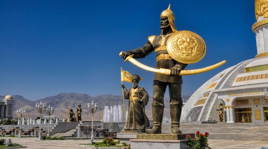 Monumento all'Indipendenza - Ashgabat