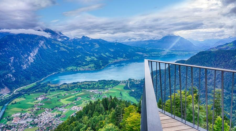 La terrazza panoramica dell'Harder Kulm di Interlaken