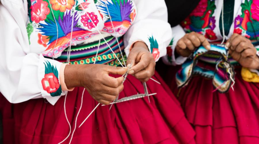 Costume tipico delle popolazione del lago Titicaca