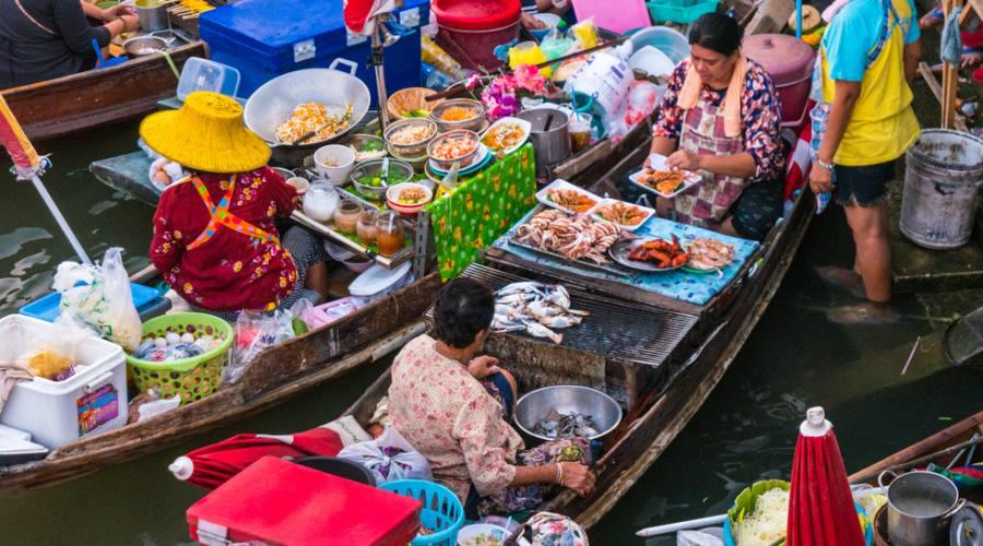 Mercato galleggiante vietnamita