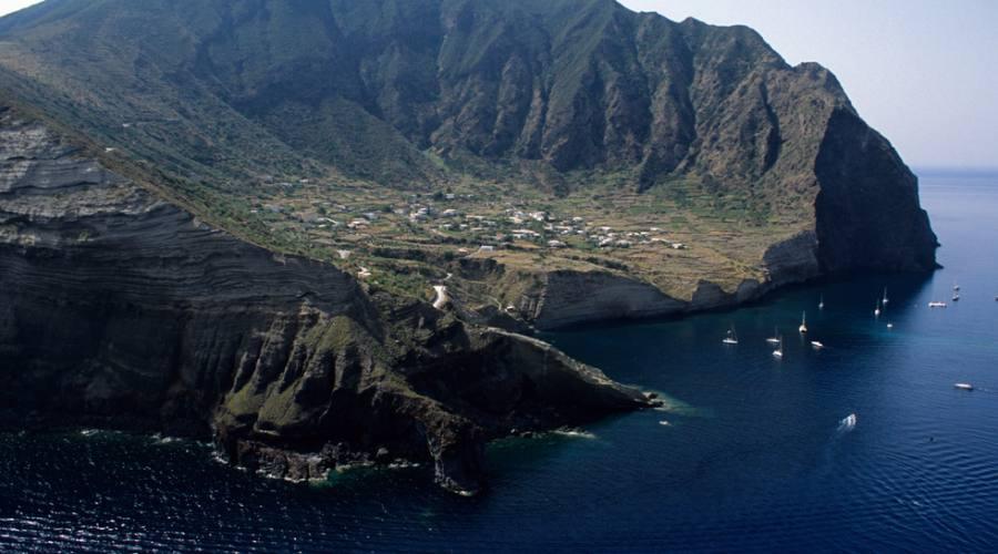 Isola di Salina dall'alto