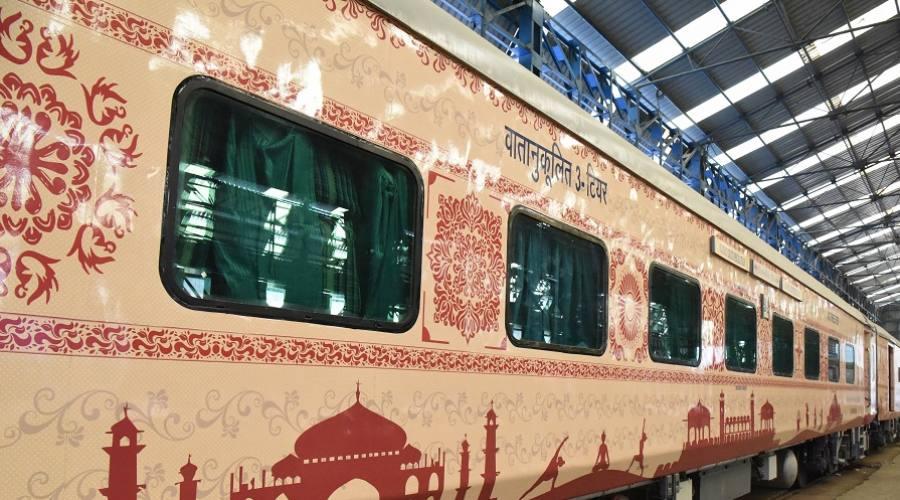 Treno Majestic Rajasthan - esterno