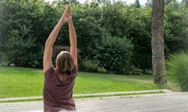 Yoga tra erbe e fiori nelle magnifiche Dolomiti