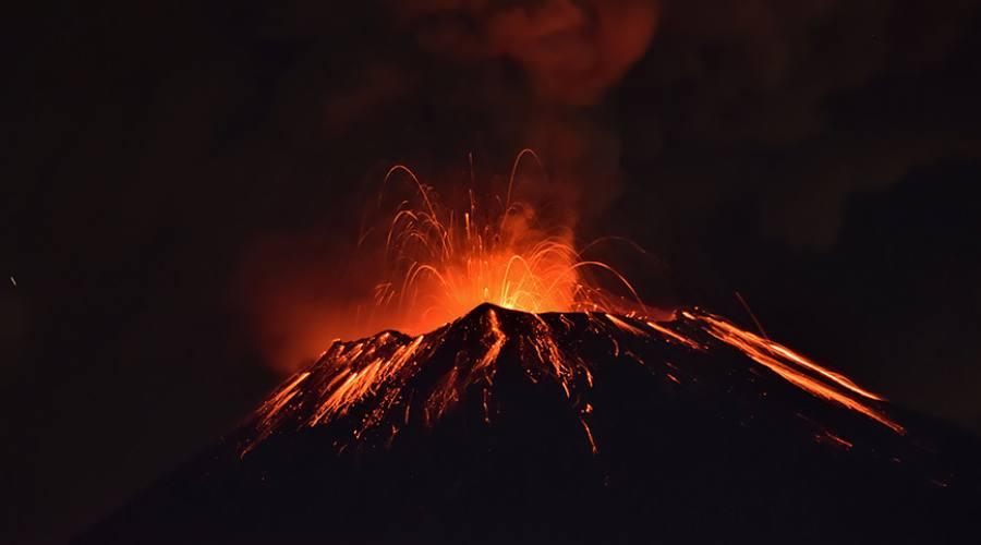 Big Island, Mauna Loa in eruzione