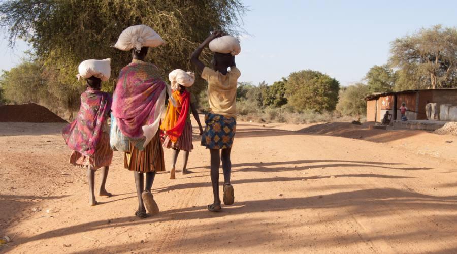 Donne villaggio rurale