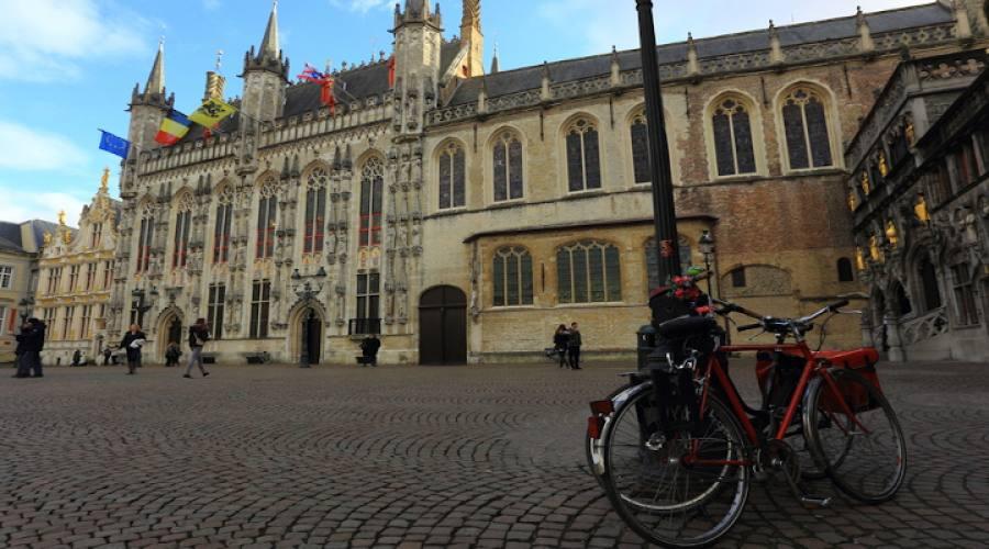 Bruges Piazza del mercato