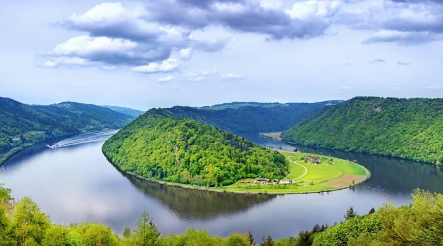 Danubio che si snoda nelle pianure austriache