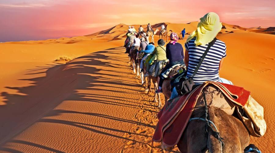 Zagora Desert - Passeggiata verso il campo tendato