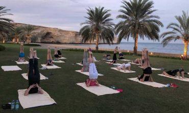 Yoga e massaggi ayurveda in un hotel al profumo d'oriente con spiaggia privata