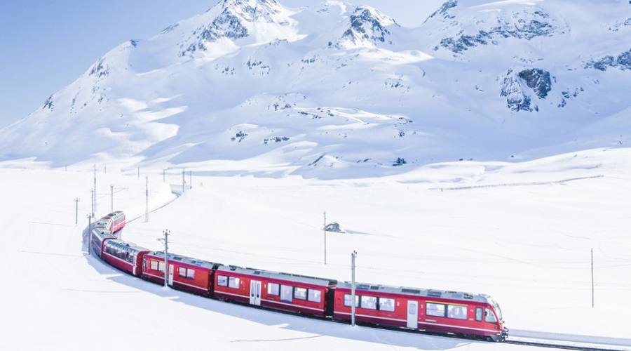 Bernina Express in inverno