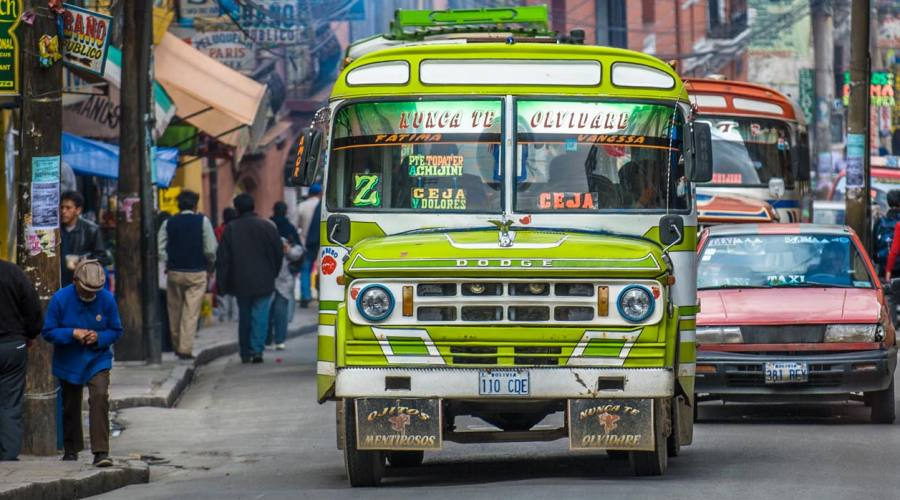 La Paz- un tipico bus