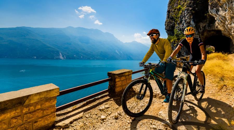 In bici sui sentieri del Garda