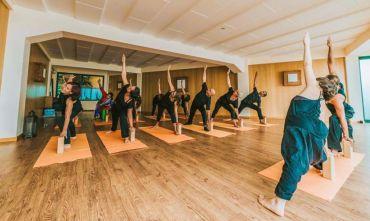 Trattamenti ayurveda e yoga su una meravigliosa isola vulcanica