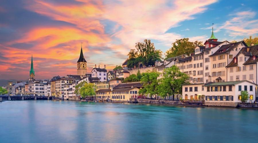 Vista sul centro storico di Zurigo