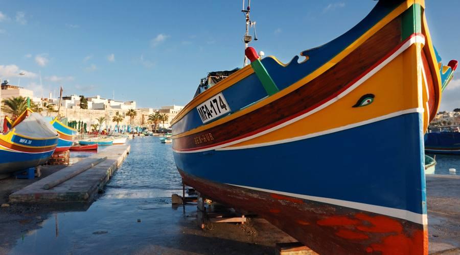 """""""Uzzi"""" le tipiche imbarcazioni di Malta"""