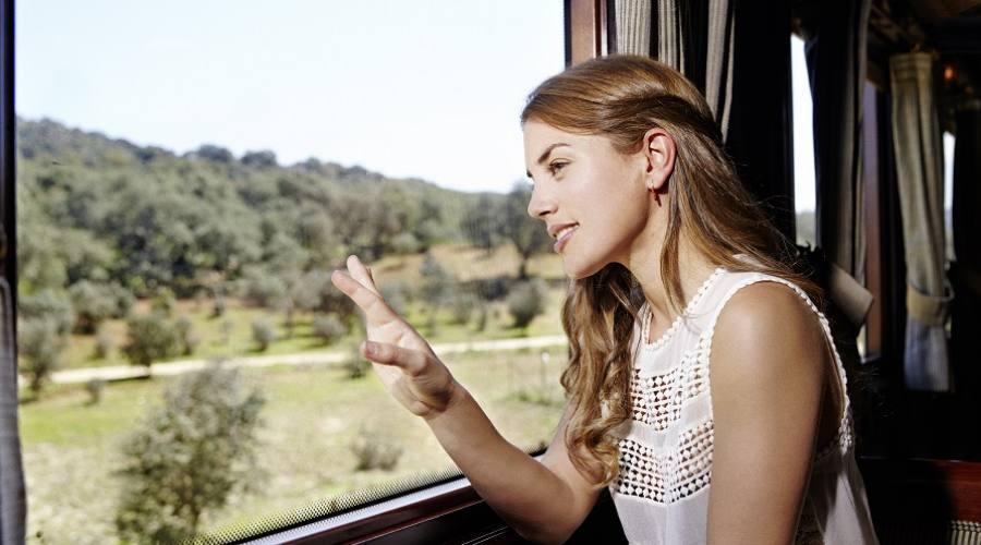 A bordo del treno di lusso Al Andalus. Foto: Víctor Color per Renfe