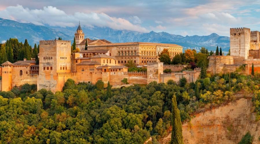 La fortezza e il complesso del palazzo Alhambra - Granada