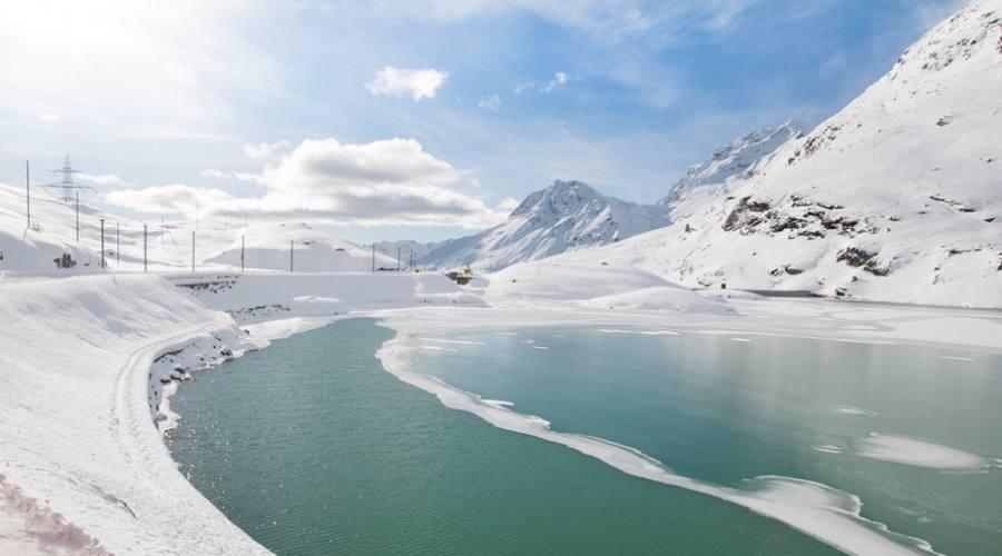 Ospizio Bernina inverno