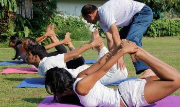Ritiro Yoga e Ayurveda sulla spiaggia del mare Arabico