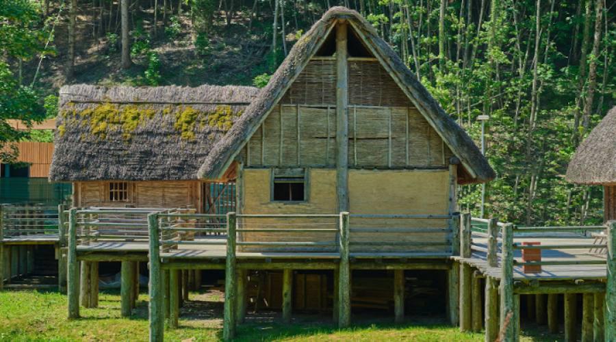 Lago di Ledro Case su palafitte (Ricostruzione)
