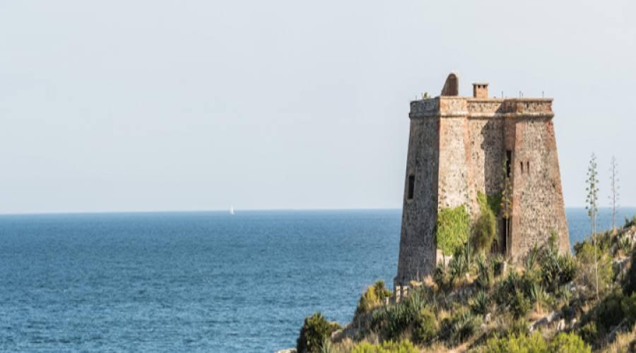 Almunecar Torre sulla costa