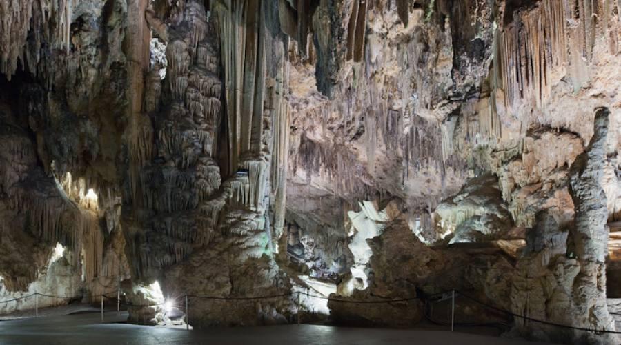 Nerja Grotta